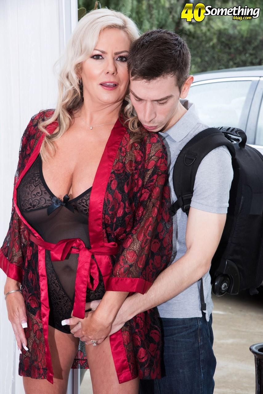 virgin porno albania