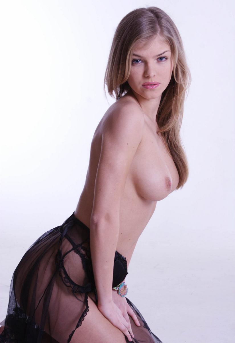 jessica alba naked photo shoot